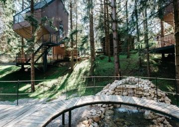 Return to nature and relieve stress in the green oasis of Plitvice